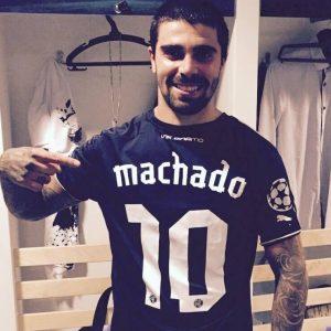 L'ancien joueur de Saint-Etienne retrouvera l'OL sur son passage © facebook officiel de Paulo Machado